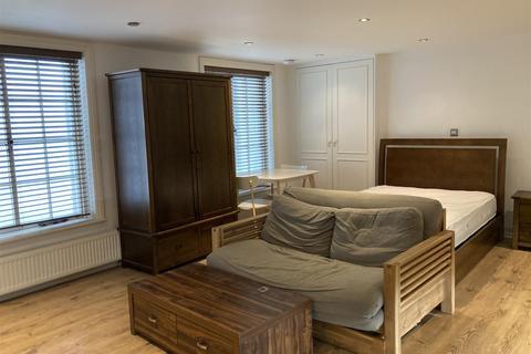 Studio to rent - Brunswick Square, Hove, BN3 1EE
