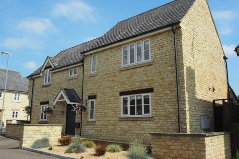 5 bedroom house to rent - Pied Bull Close, Ketton, Stamford