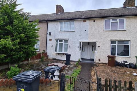 2 bedroom terraced house to rent - Davington Gardens, Dagenham