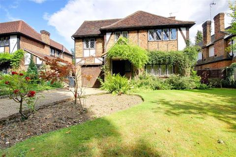 4 bedroom detached house to rent - The Cuttings, Brookmans Park, Hertfordshire
