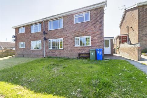 2 bedroom flat for sale - Jason Close, Bridlington