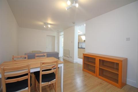 1 bedroom flat to rent - Lea Bridge Road, London, E17