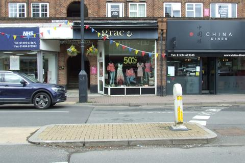 Property to rent - The Highway, Station Road, Beaconsfield