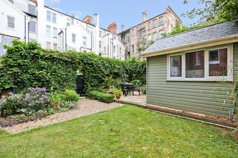 2 bedroom flat to rent - Fourth Avenue Garden Apartment
