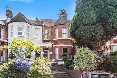 4 bedroom flat to rent - Eglinton Hill London SE18