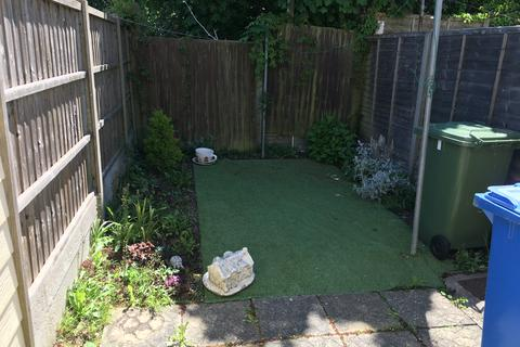 2 bedroom terraced house for sale - High Street, Eastchurch, Kent ME12