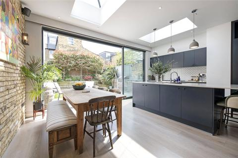 4 bedroom terraced house for sale - Bennerley Road, SW11