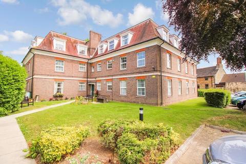 2 bedroom retirement property for sale - Hills Manor Guildford Road Horsham