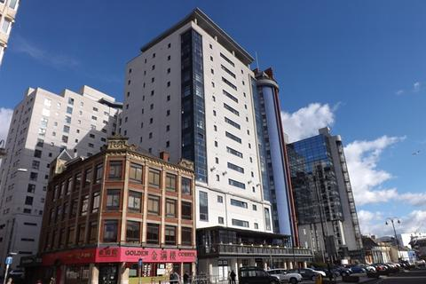 2 bedroom apartment for sale - LANDMARK PLACE, Spacious 12th floor apartment with secure parking space.