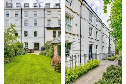 5 bedroom terraced house for sale - Southwood Lane, Highgate Village, London, N6