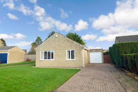 2 bedroom bungalow for sale - Whitegates, Longhorsley, Morpeth, Northumberland, NE65 8UJ