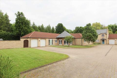 4 bedroom bungalow for sale - The Cottage, 3 Manor Farm, Cramlington