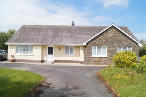 4 bedroom property with land for sale - Beulah, Newcastle Emlyn, Ceredigion SA38 9QP