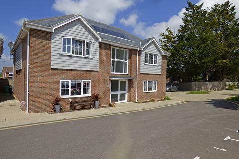 2 bedroom flat to rent - Franks Close, Burgess Hill, RH15