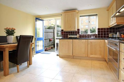 4 bedroom house to rent - Mast House Terrace, Isle Of Dogs, London, E14