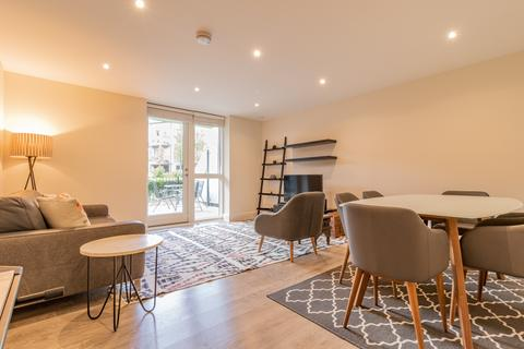 3 bedroom apartment to rent - Rookery Court, Leyton Central E10