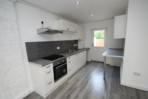 2 bedroom flat to rent - Wargrave Road, Newton-le-Willows, WA12