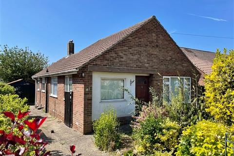 3 bedroom detached bungalow for sale - Hurley Road, Worthing, West Sussex, BN13 2PA
