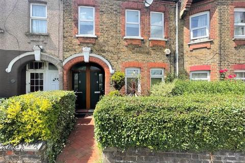 2 bedroom flat to rent - First Floor Two Bedroom Ex-Warner Flat to Let, Walthamstow, E17 (£1,375pcm)