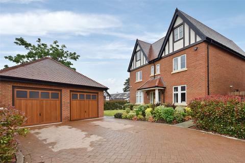6 bedroom detached house to rent - Rutland Close, Taplow, Maidenhead, Berkshire, SL6
