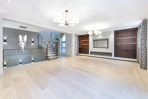 3 bedroom terraced house to rent - Princes Gate Mews, London, SW7