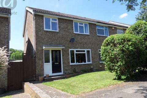 3 bedroom semi-detached house to rent - Cornwallis Close, Bromham