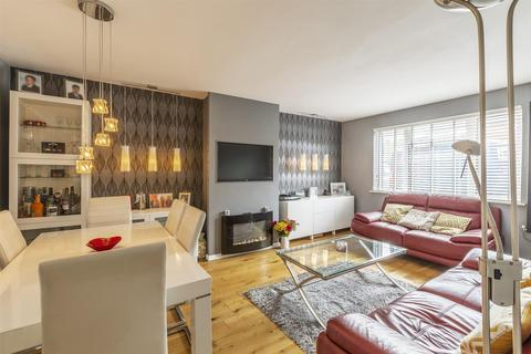 3 bedroom semi-detached house for sale - Abbots Road, Faversham