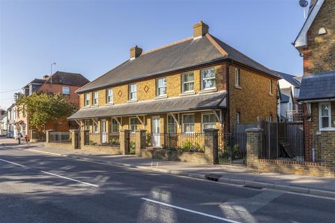 1 bedroom flat for sale - East Street, Faversham