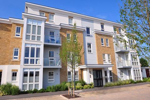 2 bedroom apartment to rent - Swallowfield Court, Boulters Meadow