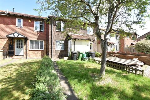 2 bedroom terraced house for sale - Charlville Drive, Calcot, Reading