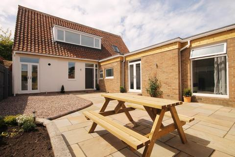 4 bedroom detached bungalow for sale - Tunstall Avenue, Hartlepool