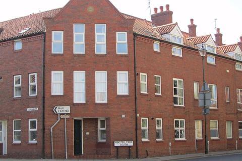 2 bedroom flat to rent - Minster Yard South, HU17