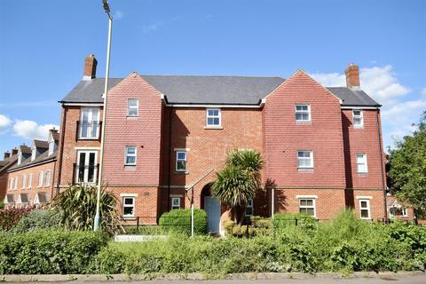 1 bedroom flat for sale - Queen Elizabeth Drive, Swindon