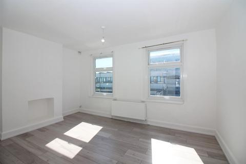 3 bedroom house to rent - Trulock Road, London