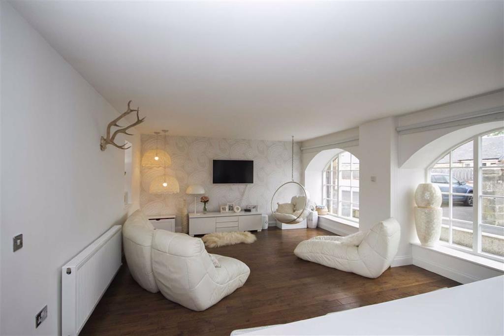 Open Plan Living Room/Kitchen