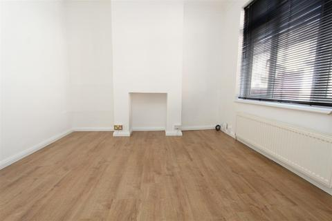 3 bedroom detached house to rent - 27 Edinburgh RoadChathamKent