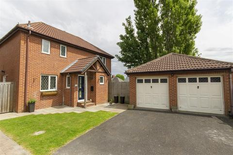 4 bedroom detached house for sale - Linden Park Grove, Chesterfield