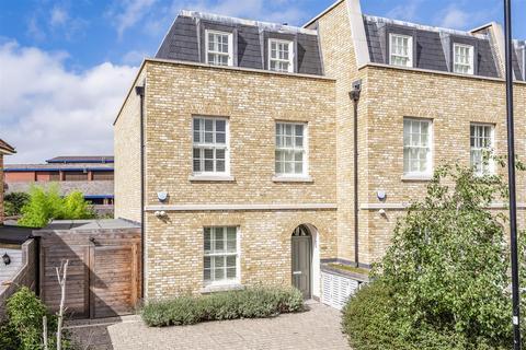 5 bedroom semi-detached house for sale - Bridge Street, London, W4
