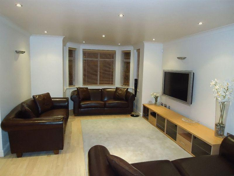 2 Bedrooms Apartment Flat for rent in Park Avenue, Mossley Hill, Liverpool