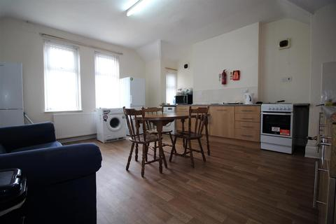 1 bedroom in a house share to rent - St. Peters Road, Leicester