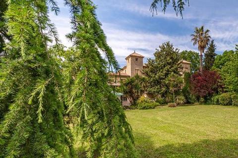 16 bedroom house - 30700 Uzès, Gard, Languedoc-Roussillon