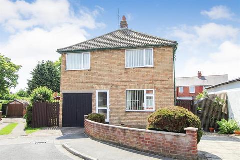 3 bedroom detached house for sale - St. Martins Drive, Bridlington, YO16 4NH