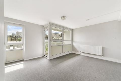 3 bedroom apartment for sale - Adderley Street, London, E14