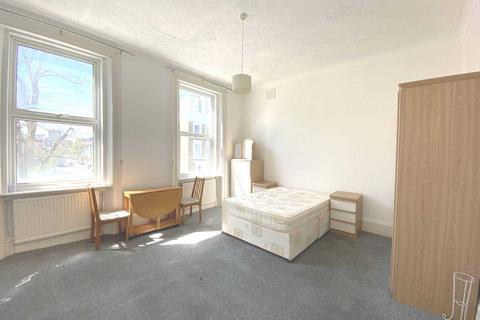 Studio to rent - Ongar Road, Fulham London, SW6 1RL
