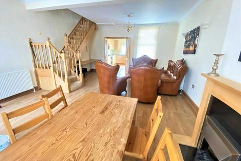 3 bedroom terraced house to rent - Derby Road, Enfield