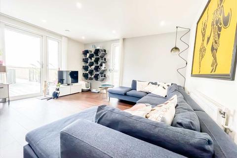3 bedroom apartment for sale - Dunnock House, Moorhen Drive, West Hendon