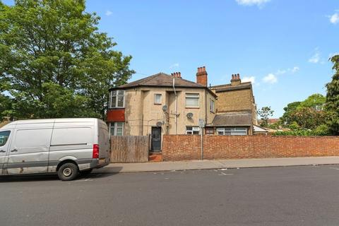 Studio for sale - Woodville Road, Thornton Heath, Greater London, CR7 8LN