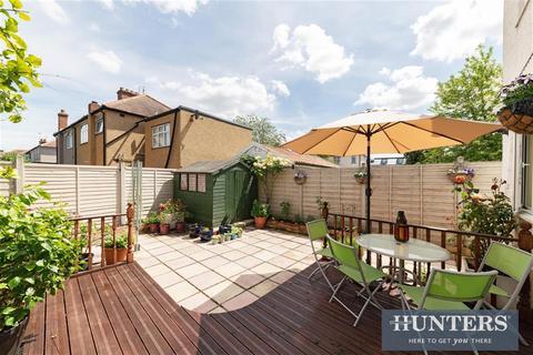 6 bedroom semi-detached house for sale - Gander Green Lane, SM3