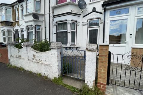 4 bedroom terraced house to rent - Leyton, London, E10