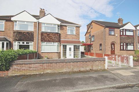 3 bedroom semi-detached house for sale - Sunningdale Avenue, Sale